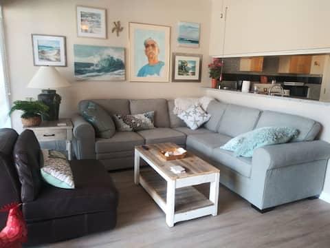 One bedroom beach getaway condo on Clear Lake.