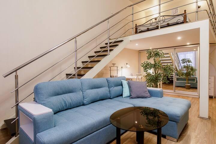 Квартира 2 уровня в центре на Б.Покровской, 24