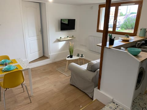 T2 apartment 20 mins from Paris with free parking