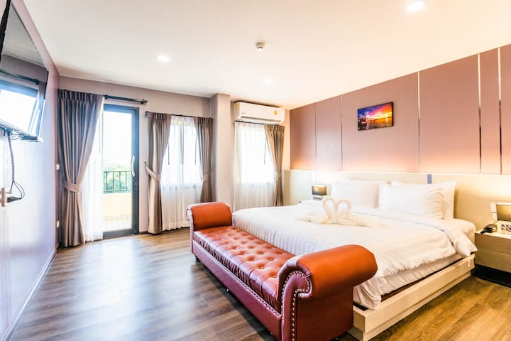 Heaven Sweet King Size with Riverfront View
