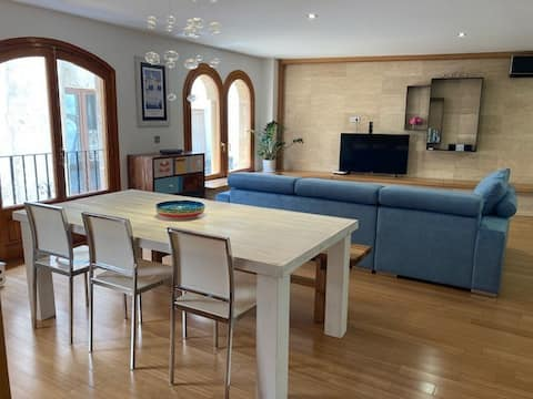 Luxury large apartment in Old Town Javea w/ garage