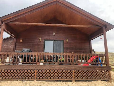 Cozy 1 bedroom guest house near Saratoga, WY