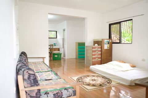 Cozy Large Room Residential Home-Tanay Rizal 6pax
