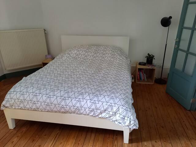 160x200 cm double bed