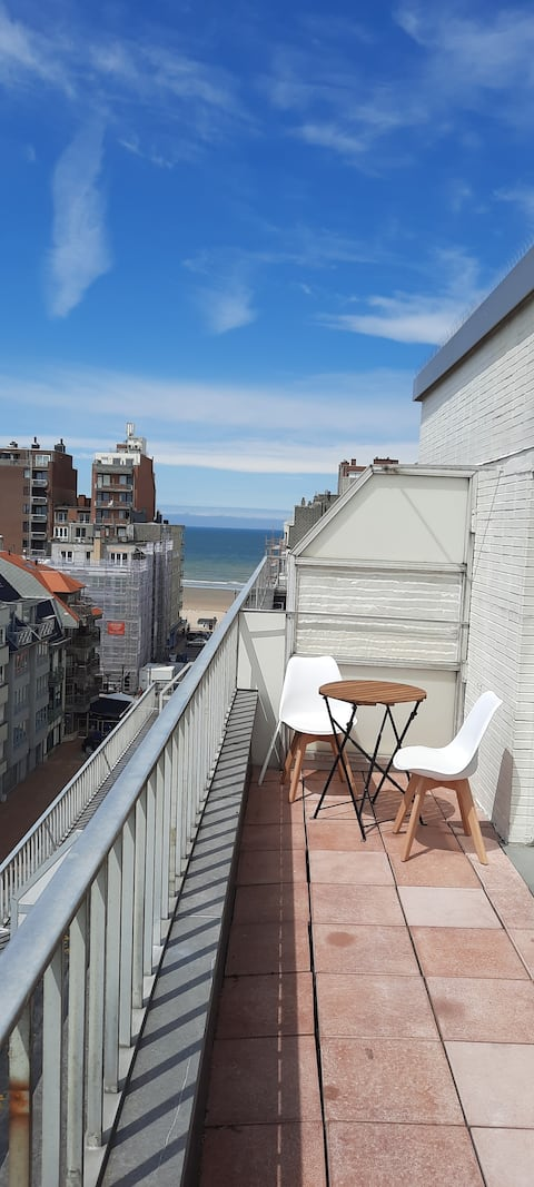 New! Studio with terrace and great far sea view