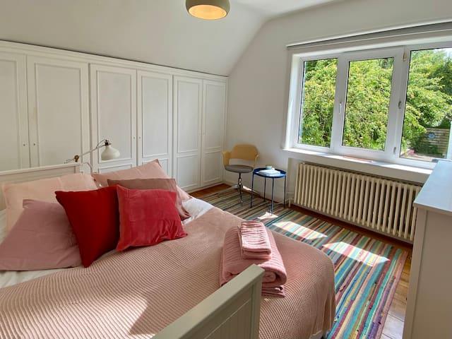 The Pink Bedroom - Garden Side (Sunrise)