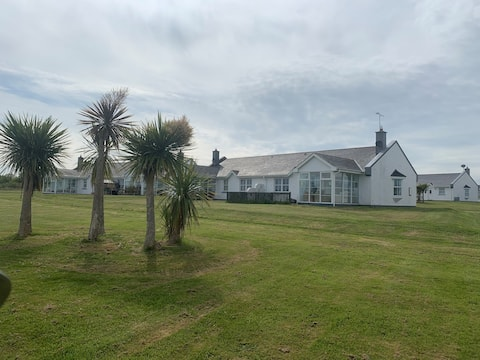 Beautiful Seaside House in Rosslare Holiday Resort