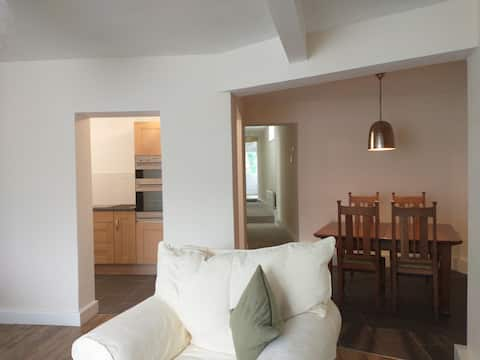 Spacious 2-bed apartment in the heart of Ruthin