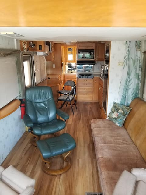 Kozy RV with no cleaning fee