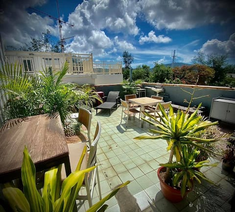 Cosy apartment with private rooftop in Stanley