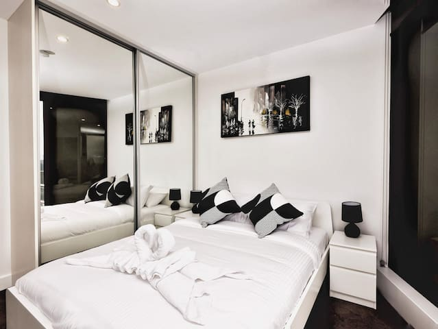 Second Bedroom with Queen size bed
