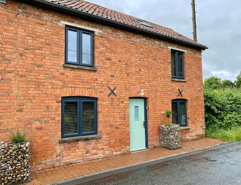 Rural characterful cottage, with beautiful views.