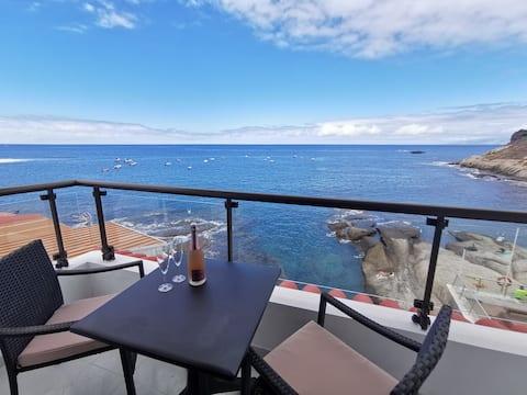 1st Line,  Amazing sea view, Fast WIFI, La Caleta