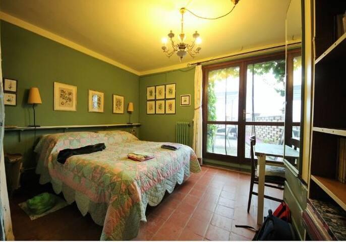 la camera matrimoniale al 1^piano con accesso esclusivo alla terrazza panoramica