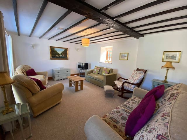 Lounge - cottage 1