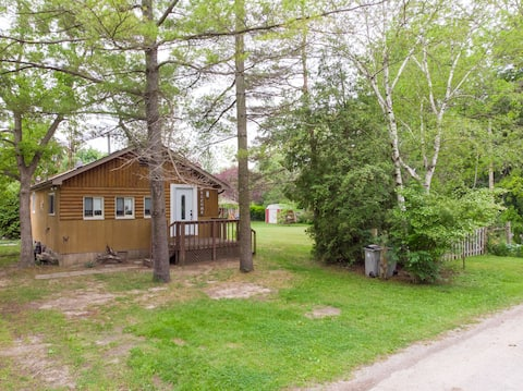 Port Franks 2 Bedroom Cottage With Double Wide Lot