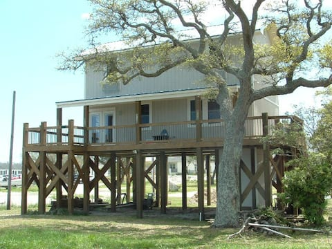 The Sound front Tree House in Salter Path NC