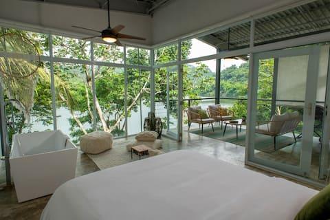 LUXURY Lakefront Suite- Lago Dos Bocas, Utuado