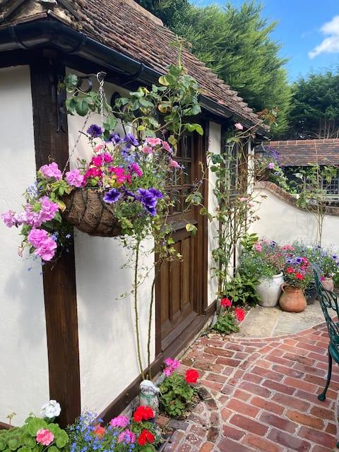 Petite Gite in een idyllische cottage tuin.