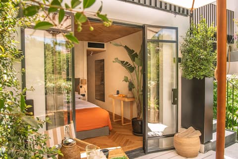 Cascais Amazing GardenHouse With Shared PlungePool