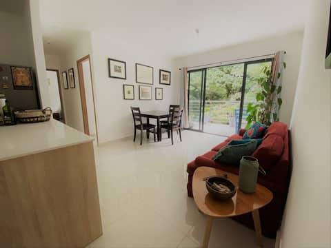 Rio Oro Santa Ana. Fully equipped green apartment
