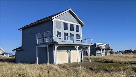 Sunbreak: large family & pet home w/ ocean views
