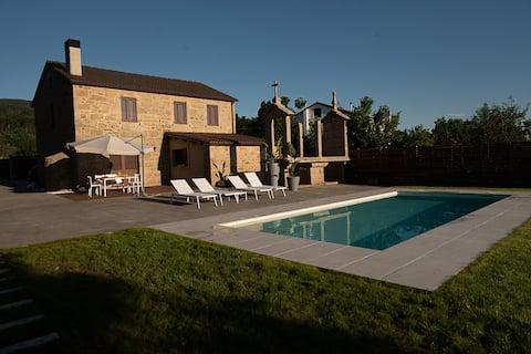 Agradable casa vacacional con piscina