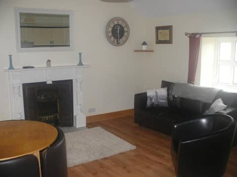 lovely 2 bedroom apartment No3 in tranquil village