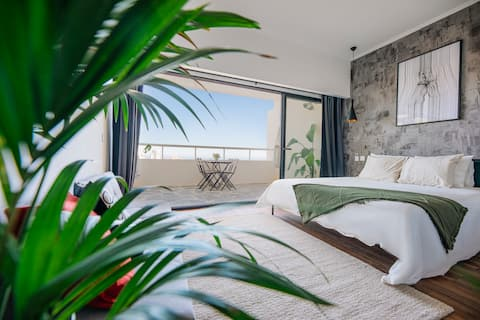 Charming flat with amazing sea line view