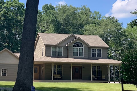 Secluded 3 bedroom, 2.5 bath home