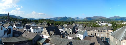 Quirky Apartment. Central Keswick. Amazing Views
