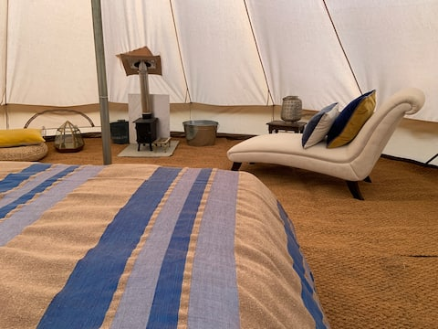 Beautiful 5 meter bell tent in private woodland