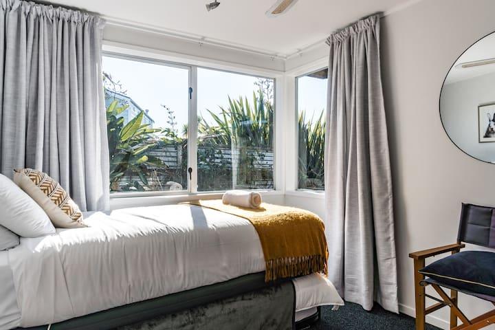 Bedroom 4 with queen bed