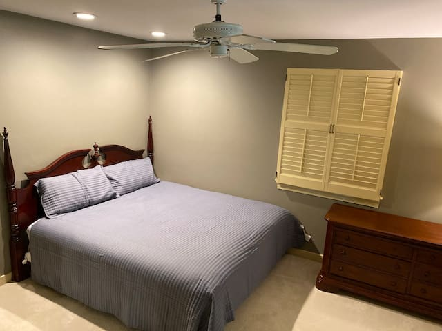 Upstairs king bed