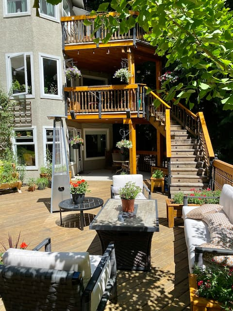 Your private Oasis on West Arm of Shawnigan Lake