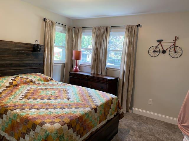 2nd Bedroom - Queen with room darkening drapes