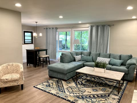 Beautiful 3 bedroom home (1 BR utilized as office)