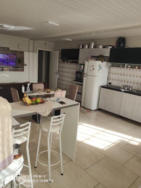 Ótimo apartamento no centro de São Joaquim.