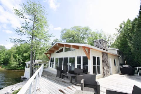 Port Severn 3BR Private Waterfront Getaway