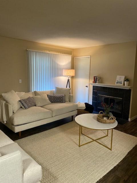 Cozy Sacramento Apartment