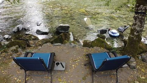 Cozy camper on a 2/3 riverfront acre