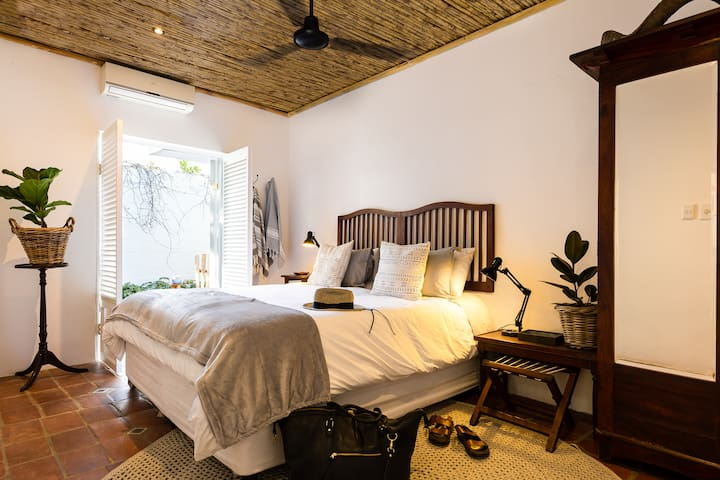 In summer, the valley can get pretty sizzly. So all rooms have ceiling fans to keep the air flowing. And the two double rooms are equipped with shutters, private courtyard showers -and aircon units for a comfy night's rest.