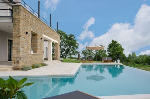 Unique Villa Istria stunning view & infinity pool