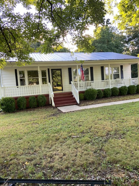 Private Rural 3 Bedroom Home with Large Backyard