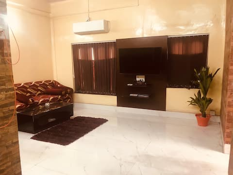 Entire Apartment-Centrally located in Tollygunge