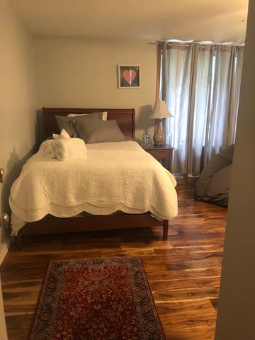 2nd bedroom with full size bed
