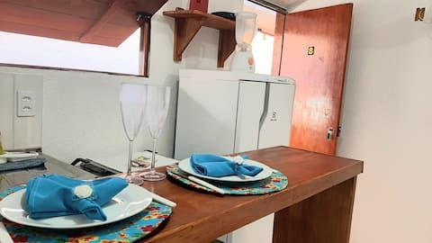 Suíte 08 com Cozinha-Pituba-Wifi Fibra 200 Mb