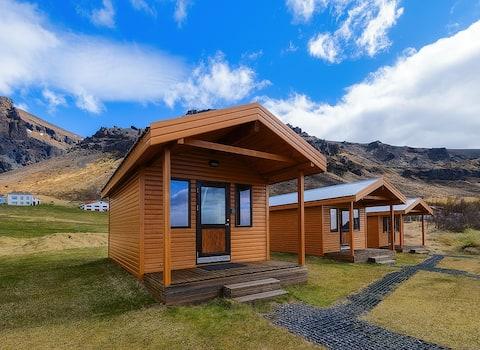 Private mini-cottage near Jokulsarlon & Skaftafell