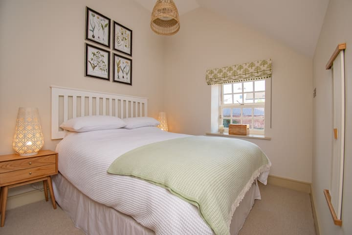 Master Bedroom with King size bed and built in wardrobe