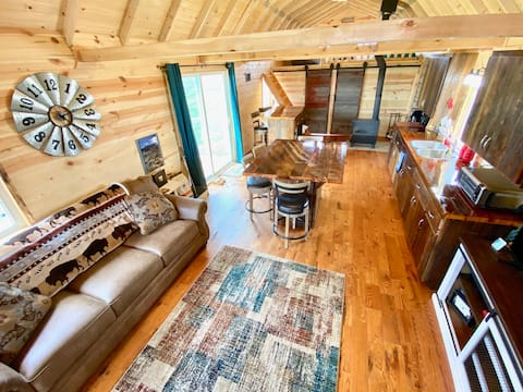 Beautiful Cabin on BISON Ranch~1 Bedroom+2 Lofts!